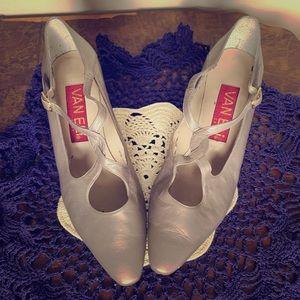 "Vintage Gray 2"" Heels w/Gold Strap"